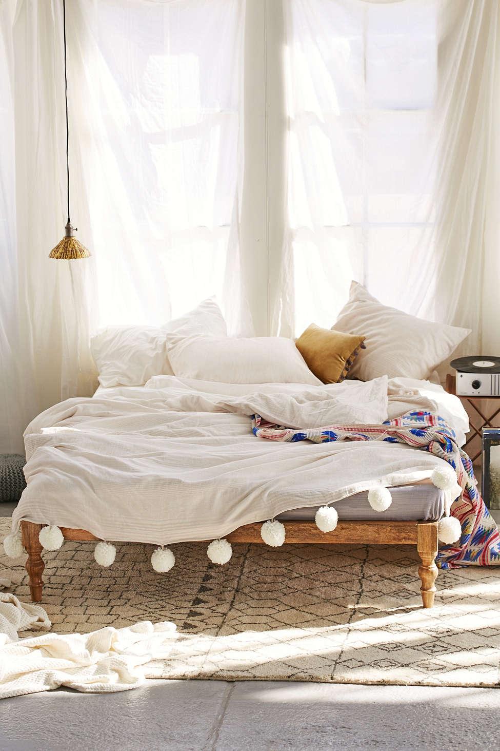 10 Dorm Room Bedding Ideas I Believe In Pink