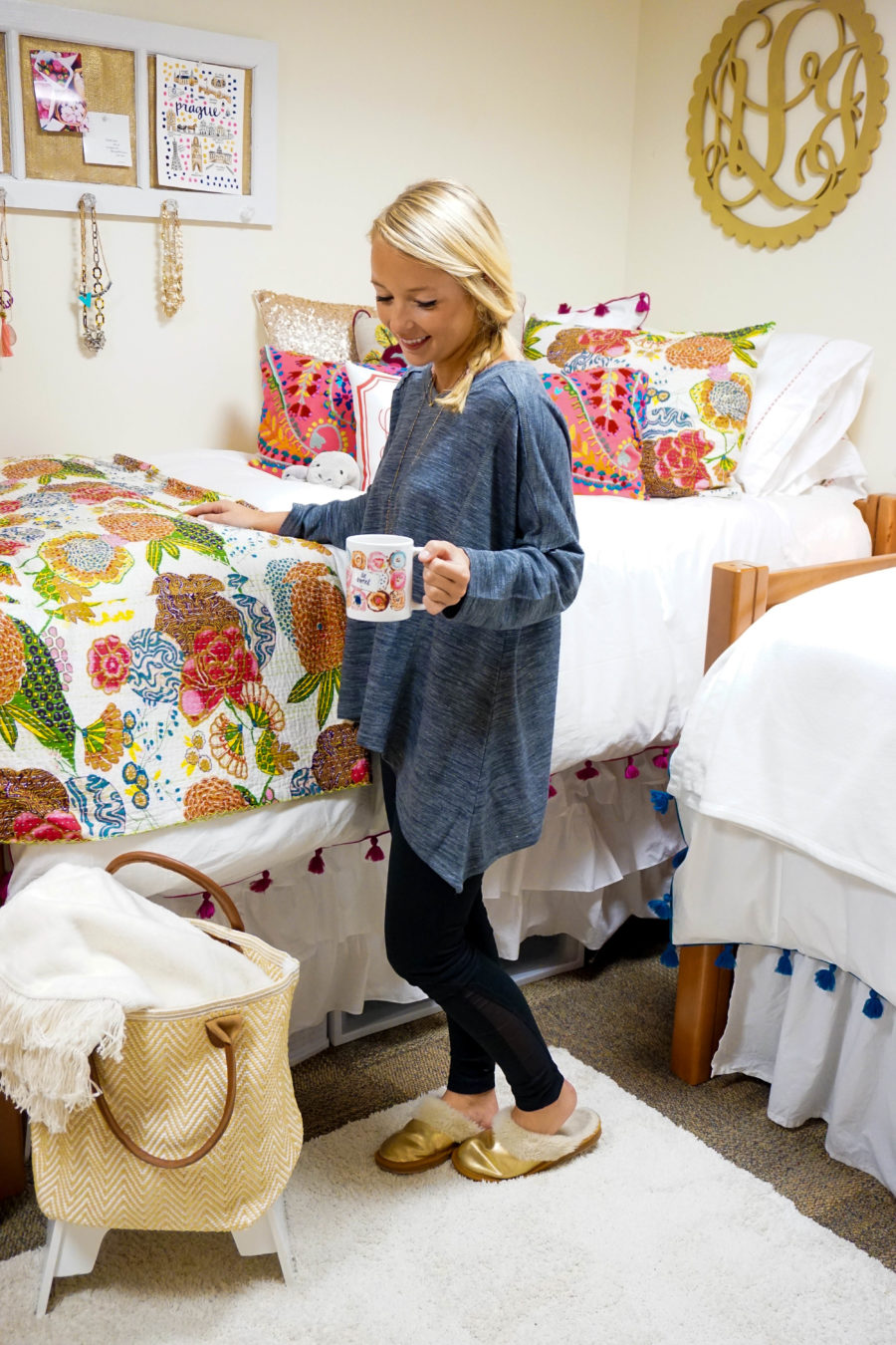amy-littleson-from-i-believe-in-pink-dorm-room-decor-with-annie-selke-co-evelyn-henson-and-all-for-color_