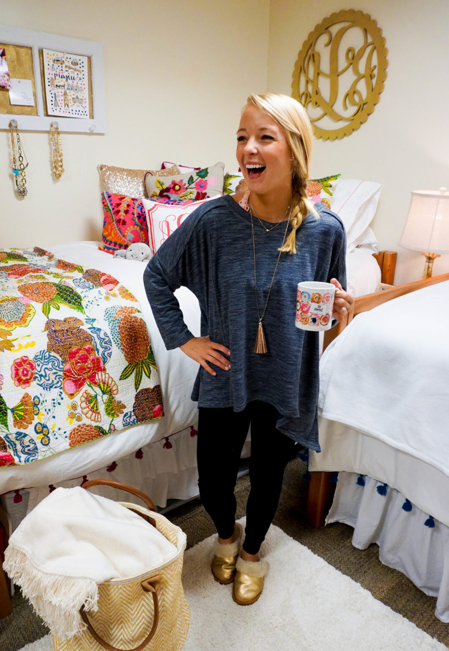 amy-littleson-from-i-believe-in-pink-dorm-room-decor-with-annie-selke-co-evelyn-henson-and-all-for-color_-3