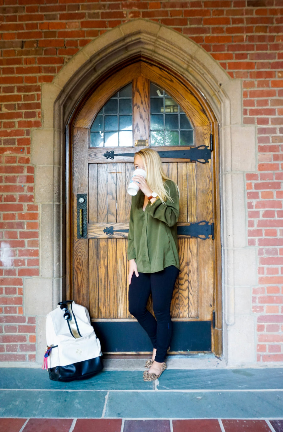 amy-littleson-from-i-believe-in-pink-wearing-madeline-and-company-backpack-green-tobi-blouse-and-leopard-flats-at-the-university-of-richmond-10