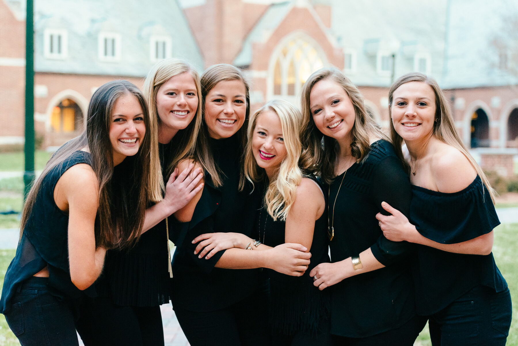 best friends Graduation photo shoot at the University of Richmond_