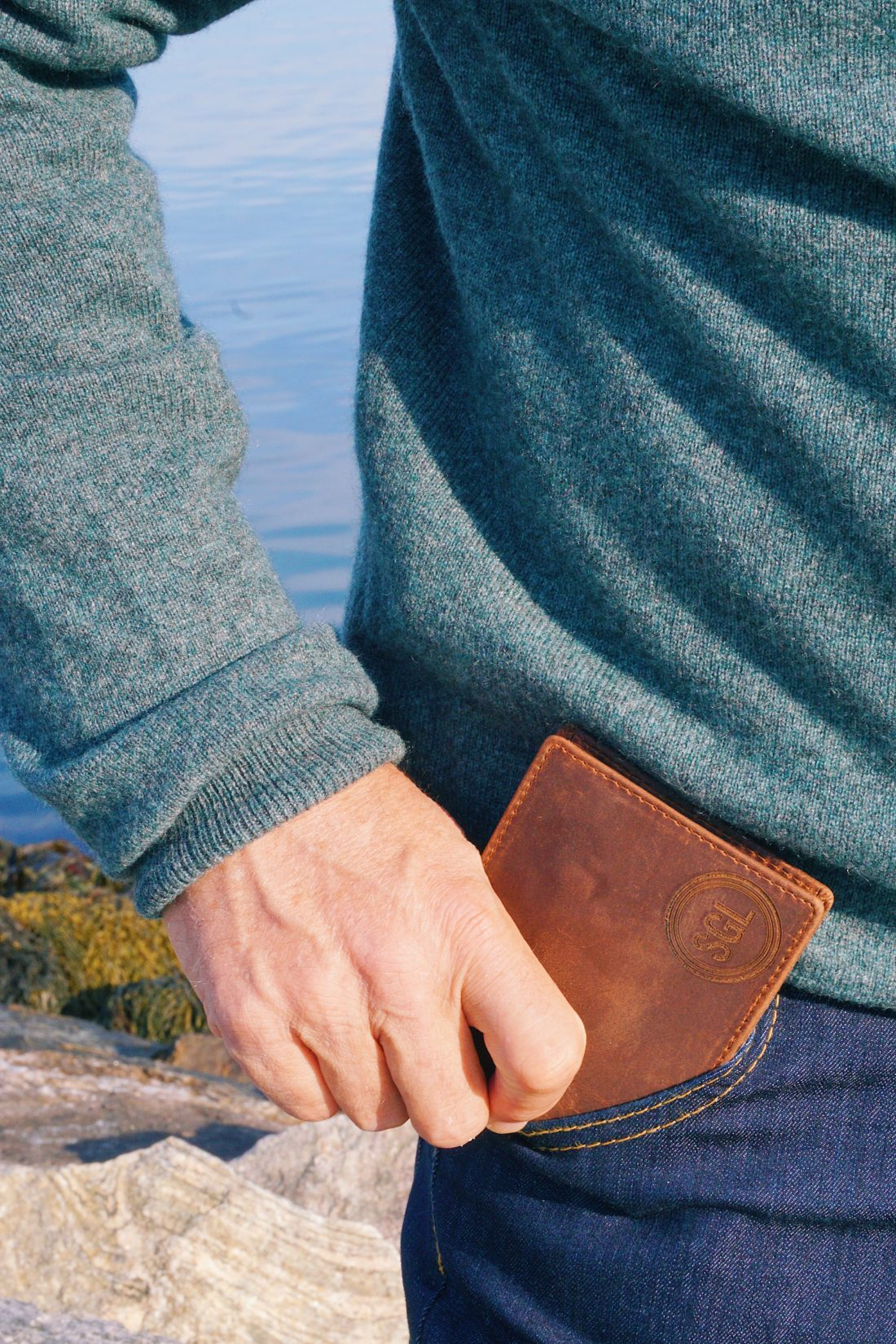 Father's Day gift with personalized wallet from Grain and Oak