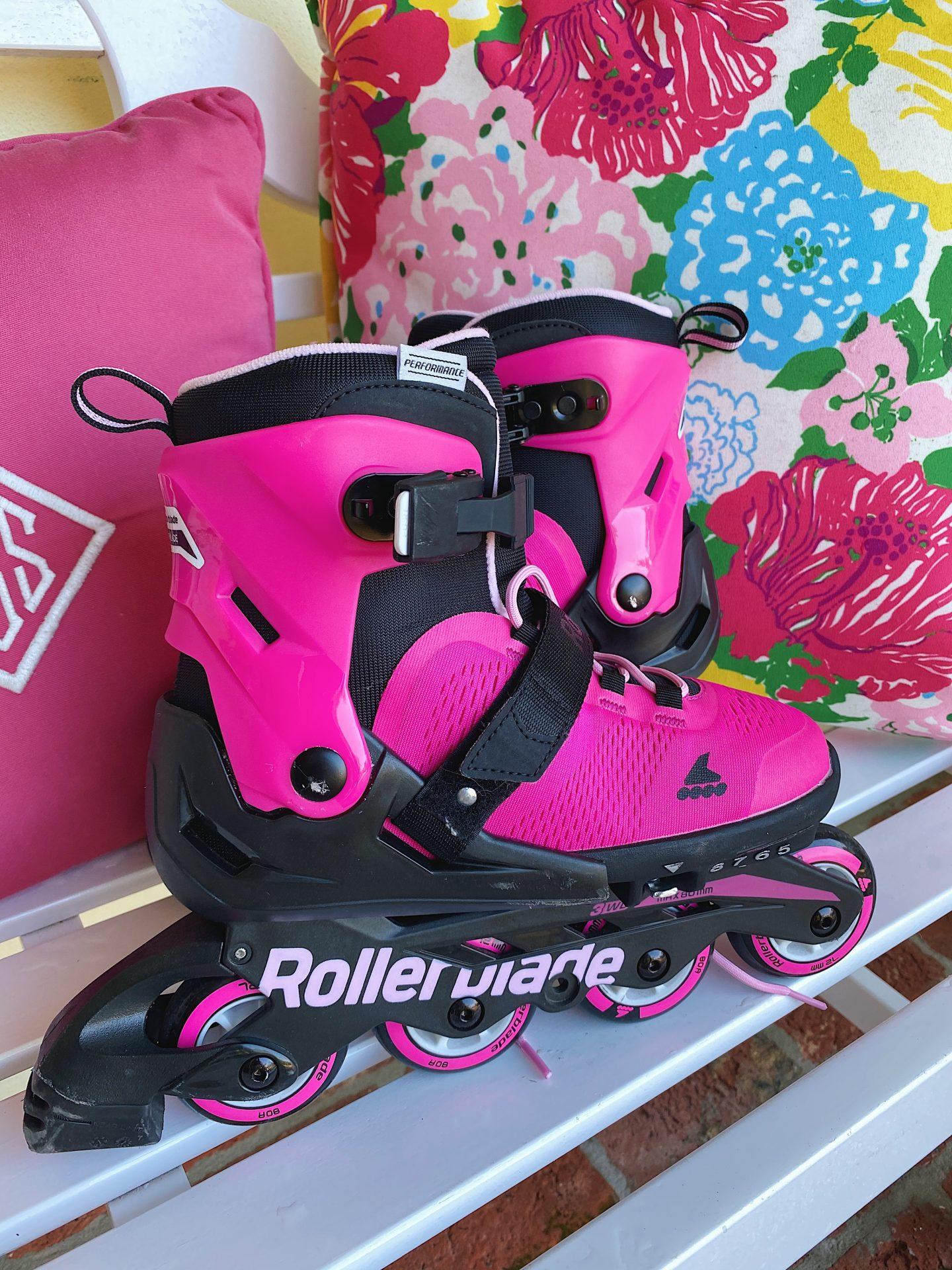 Amazon pink rollerblades